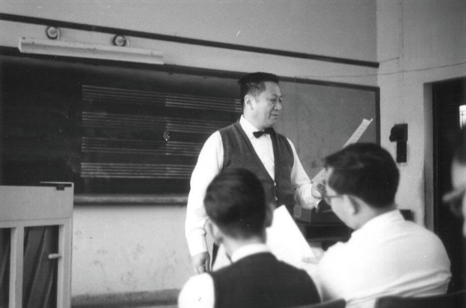 受到合唱團舊生一致愛戴的吳東牧師,他挺拔的身影,慈愛的笑容,大概會一直留在學生心裏。