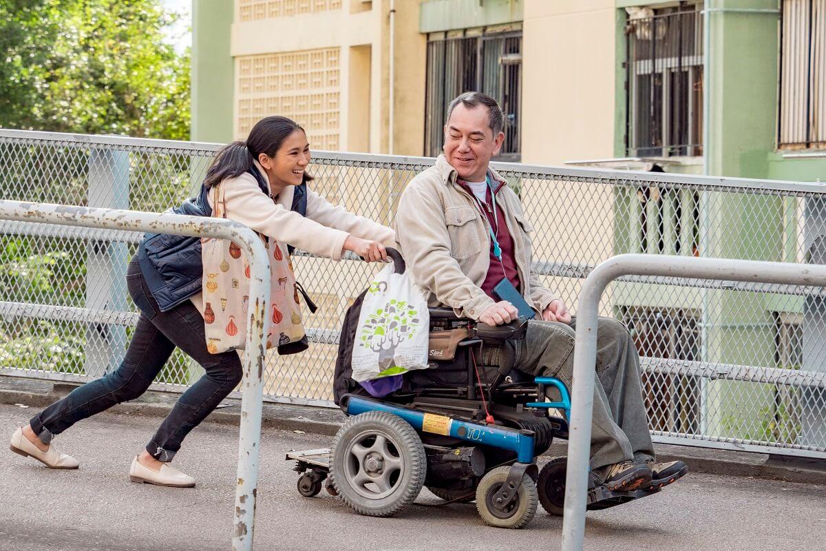 黃秋生於《淪落人》中擔男主角,飾演一位殘疾人士,更獲提名香港電影金像獎影帝。