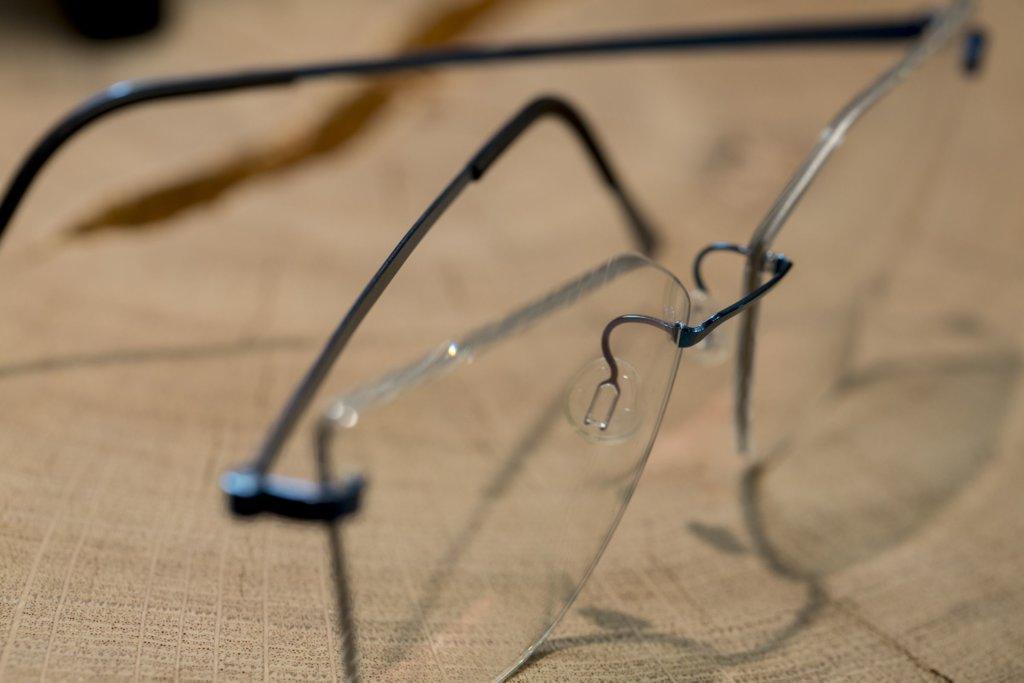 品牌眼鏡的設計十分重視diversity to shape,備有不同形狀,供人選擇。
