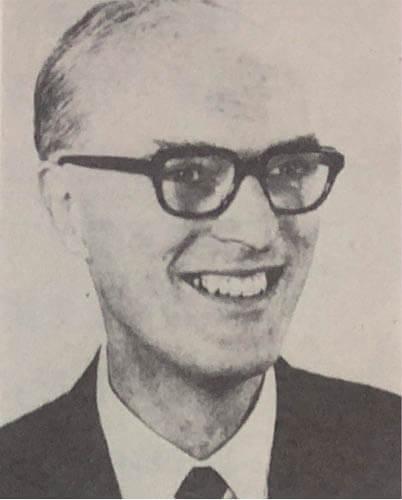 史璧琦牧師,在聖保羅書院擔任了八年校長。曾鈺成認為他的寬容凝造出祥和的學習氣氛。