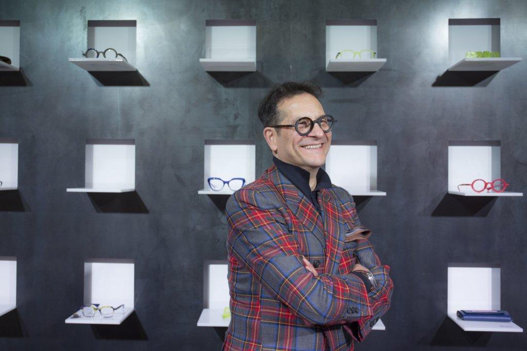 意大利眼鏡Piero Massaro,設計師 Piero就是一個情感豐富的人,他的眼鏡,色彩大膽。