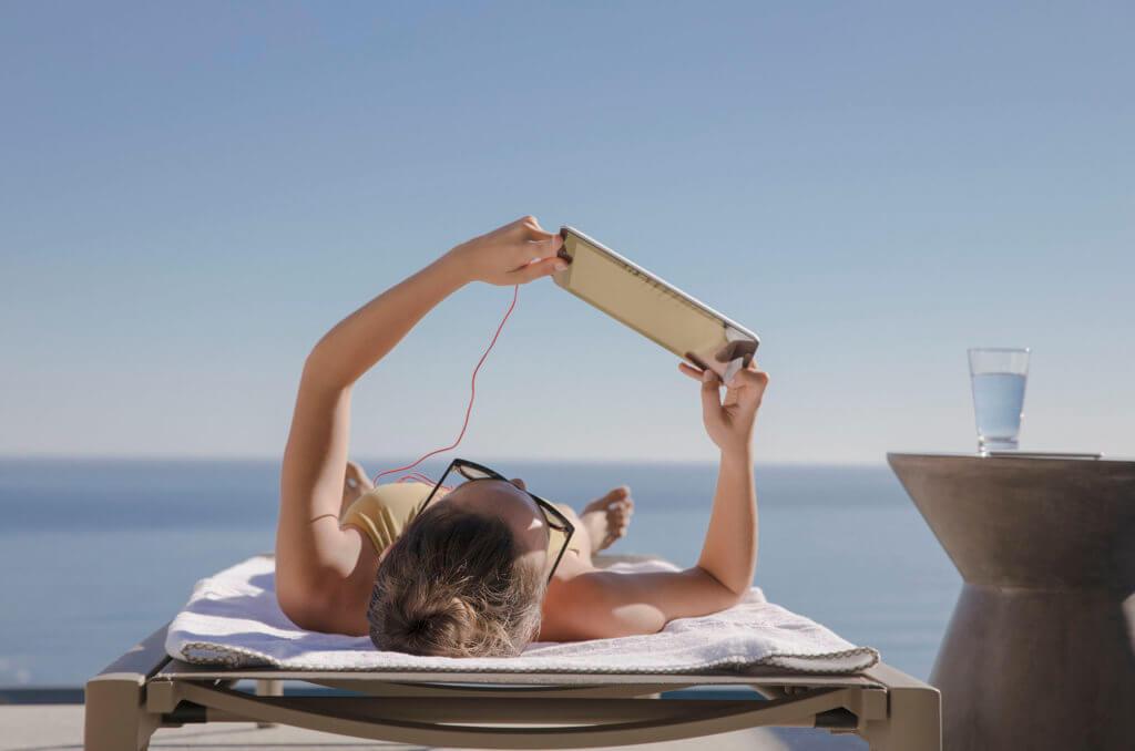 LightPro Technology太陽鏡片,可幫助閱讀數碼屏幕,如導航、 智能手機、電腦或個人電腦顯示器。