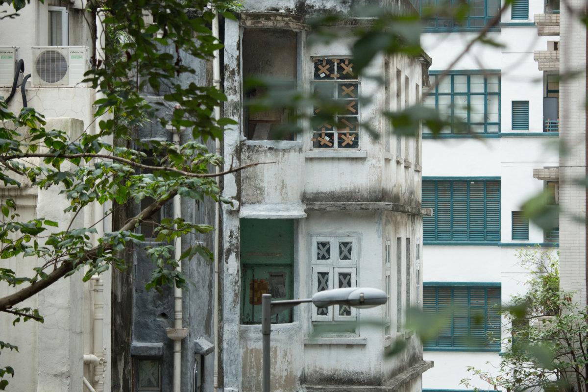 PMQ(舊警察宿舍)和士丹頓街的舊唐樓都是同一個時代的建築
