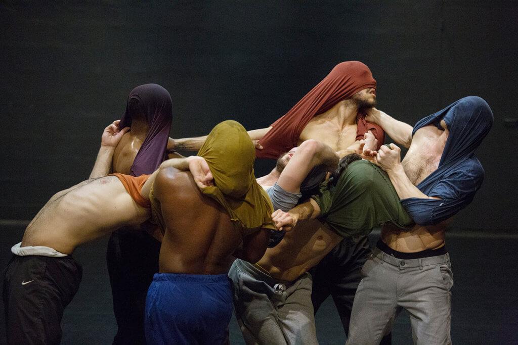 舞蹈員來自不同背景,彼此原本精於的舞種也有分別。
