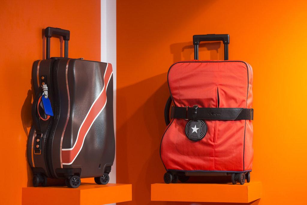 Anson從聲波的形態出發,並以樂器盒為輪廓,花了十個月打造出極具設計感的行李箱。