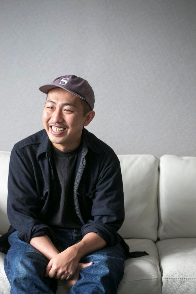 三宅唱,1984年生,曾於日本國內獲頒多個新導演奬,作品《Play-back》曾入圍歐洲極具代表性的獨立影展「2012羅加諾國際影展」競賽單元。2014年,他憑感覺用手機記下當前景色,剪輯成長鏡頭電影《無言日記》。