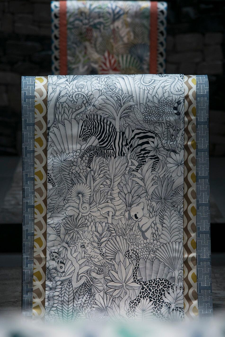 Animaux Camoufles圖案,集合了不同熱帶地區的動植物。