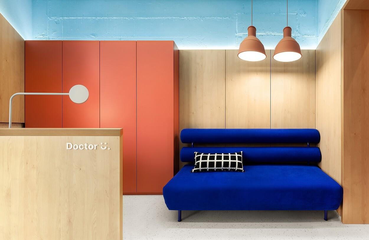 Doctor U兒童診所似設計家品店多過診所。繽紛色彩能轉移病童視線,減輕恐懼。