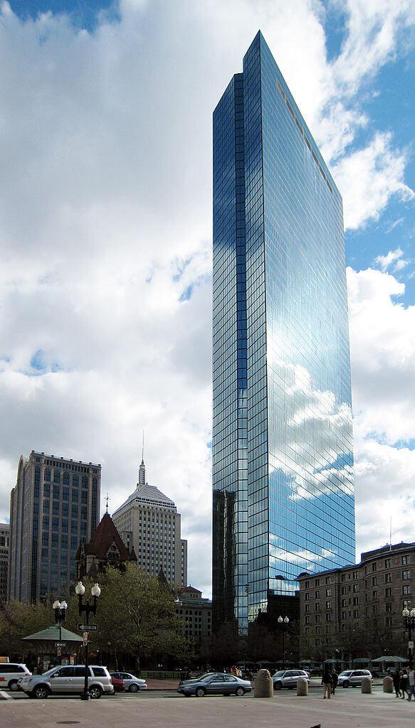 貝氏跟Henry Cobb負責的美國波士頓摩天大樓──John Hancock Tower。