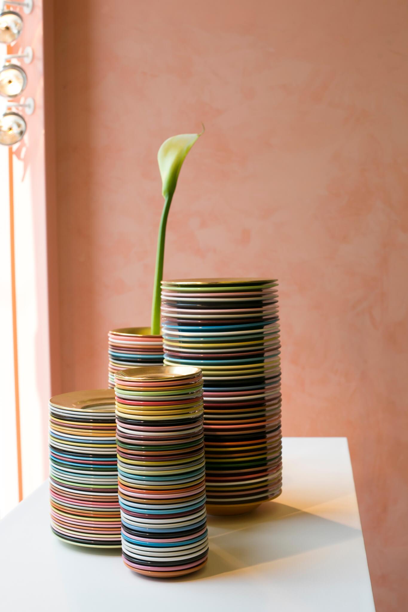 Paul Smith的新花器設計靈感,源自英國陶瓷之都Stoke-on-Trent的傳統製作工序。