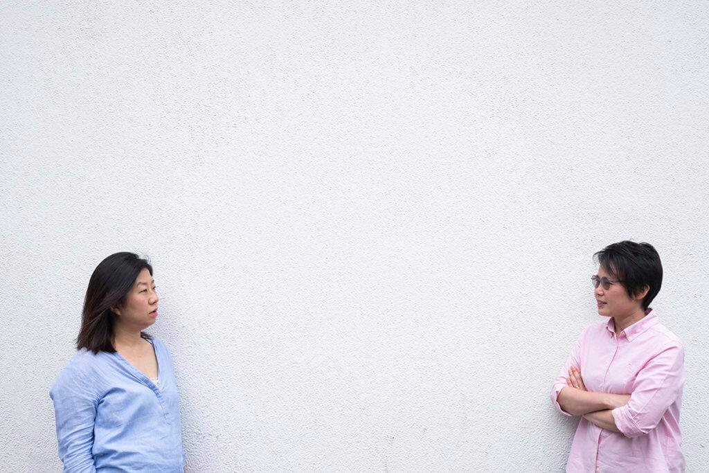編劇莊梅岩(左)和監製列明慧因為六四舞台創作,各自受到不同程度的威脅。