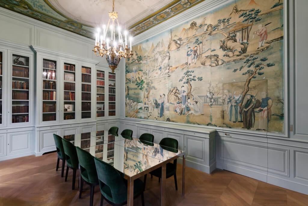 """2樓""""Le 26″是 Hôtel de Nocé 家居生活氛圍的最佳體現,顧客可選擇留宿,圖中是圖書室。"""