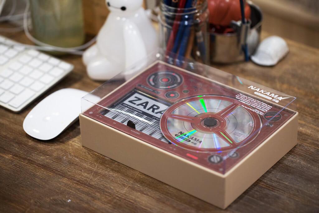 周國賢特別版唱片《仲間》由設計師梁偉文設計,猶如一個黑膠唱機。