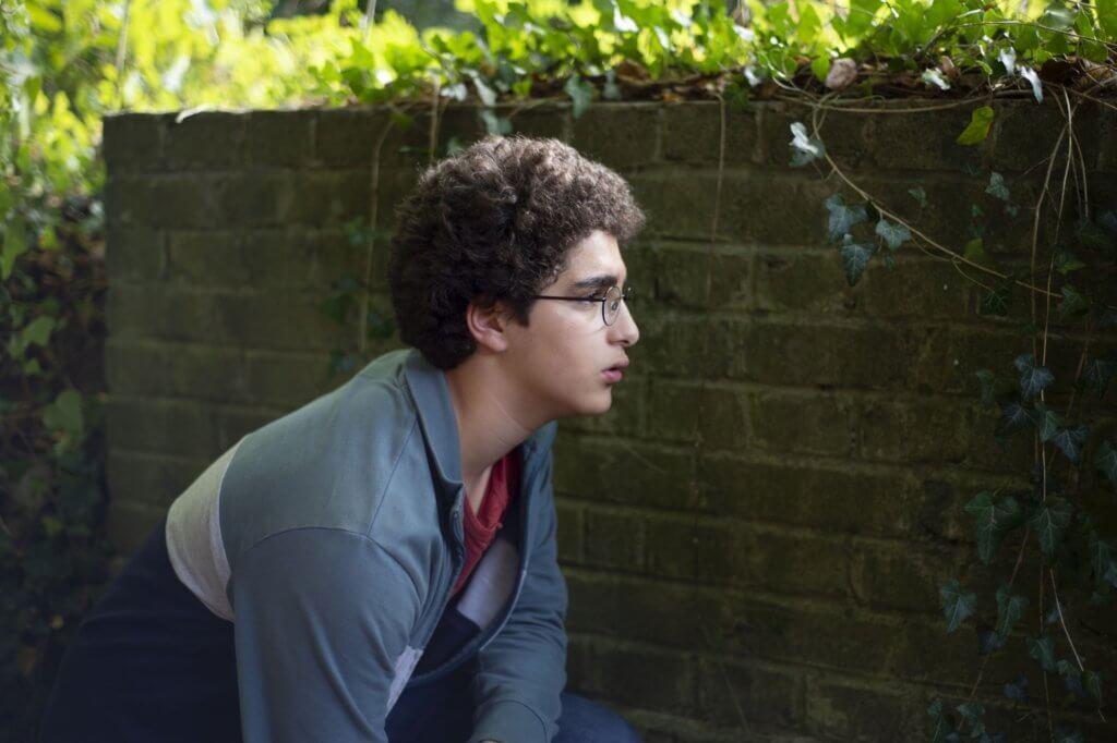 《Le Jeune Ahmed》(暫譯《少年阿密》)講述比利時一名少年受到伊斯蘭宗教狂熱影響,戴丹兄弟憑此片獲得最佳導演殊榮。