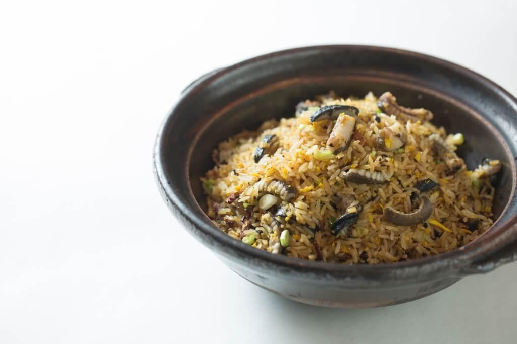 杏壇生炒黃鱔飯 //炒飯粒粒乾身滲着黃鱔的油香,卻潤而不膩,欖角鹹香可彌補黃鱔味薄。 ($188)