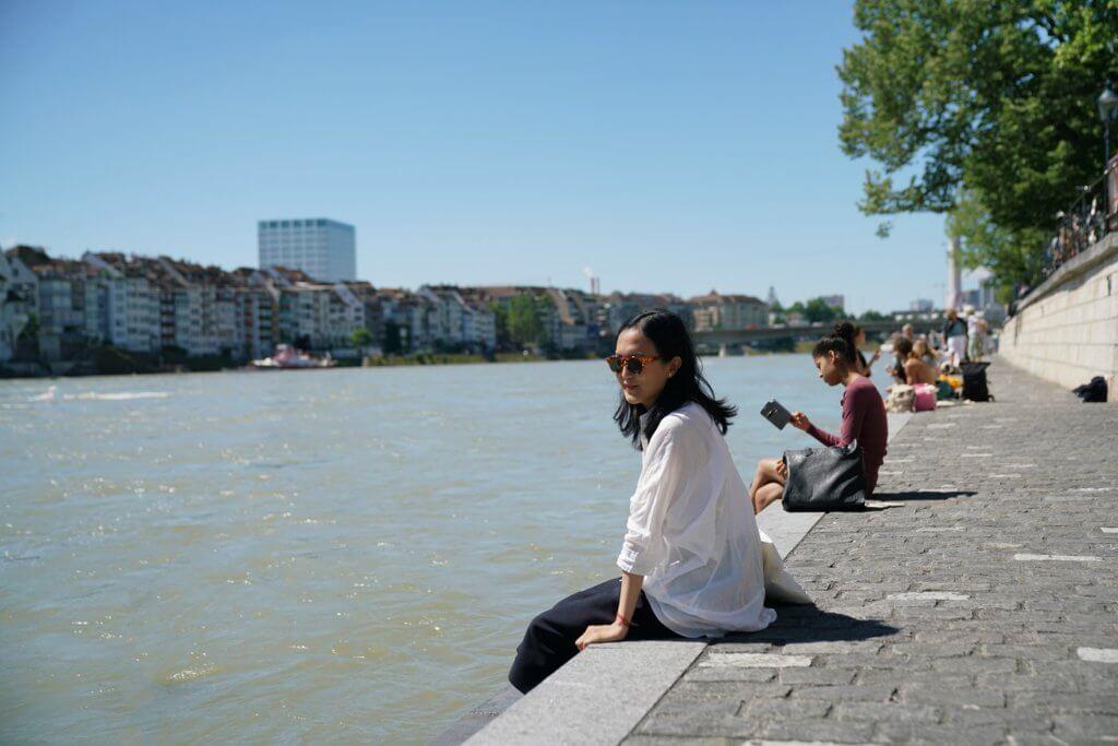 Angelika認為香港常強調「向前看,發展」,卻忽略了歷史的根本。身處萊茵河畔的她勾起了對維港的回憶。