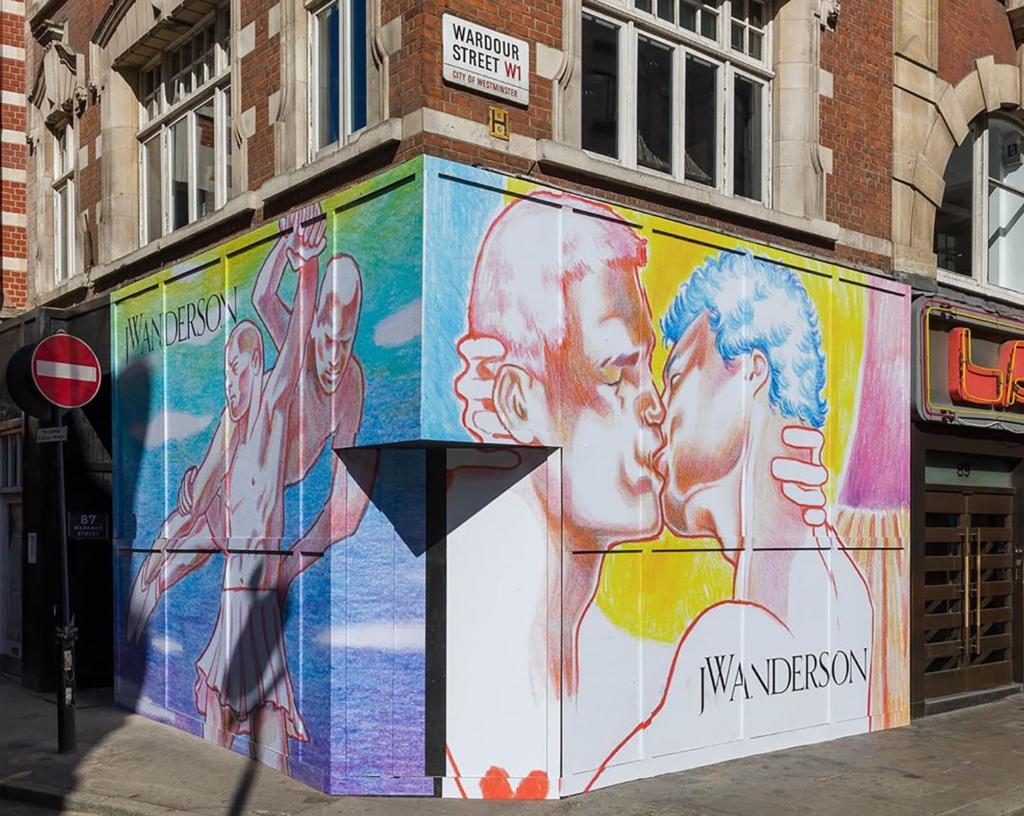 JW Anderson店面畫着一對男生親熱的壁畫,出自西班牙插畫家Pol Angladad之手。