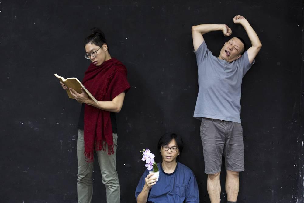 劇中還有黃曉初(中)飾演的樂師一角,在過程中拓闊爺孫的生死思辯。