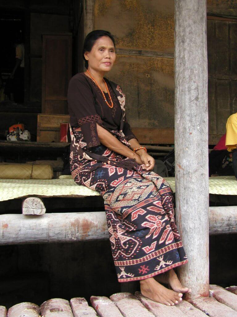 織布工人有九成是婦女,品牌能付予超過2美元日薪的貧窮線。