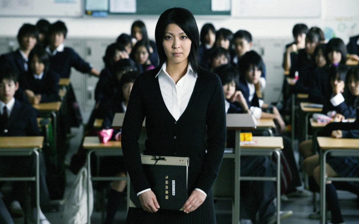 小說《告白》被改編成電影後亦口碑載道,並曾代表日本角逐奧斯卡金像獎外語片獎。