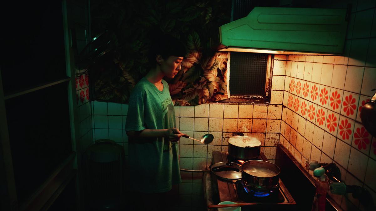 全片出鏡率甚高的水餃,一開首便隱喻片名《灼人秘密》。