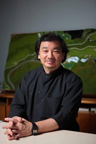 坂茂憑三十年興建人道建築,在2014年獲頒普立茲獎。