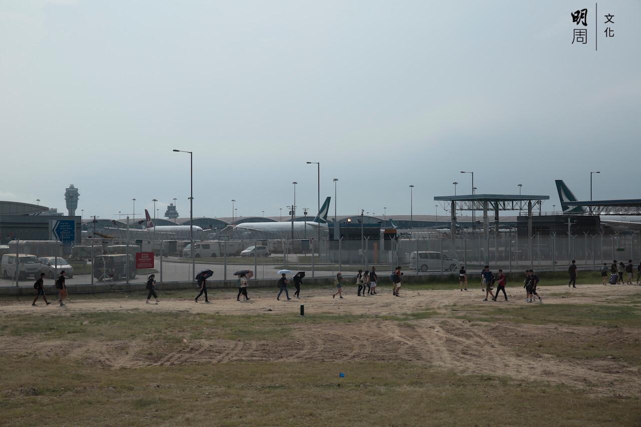 812_airport_04
