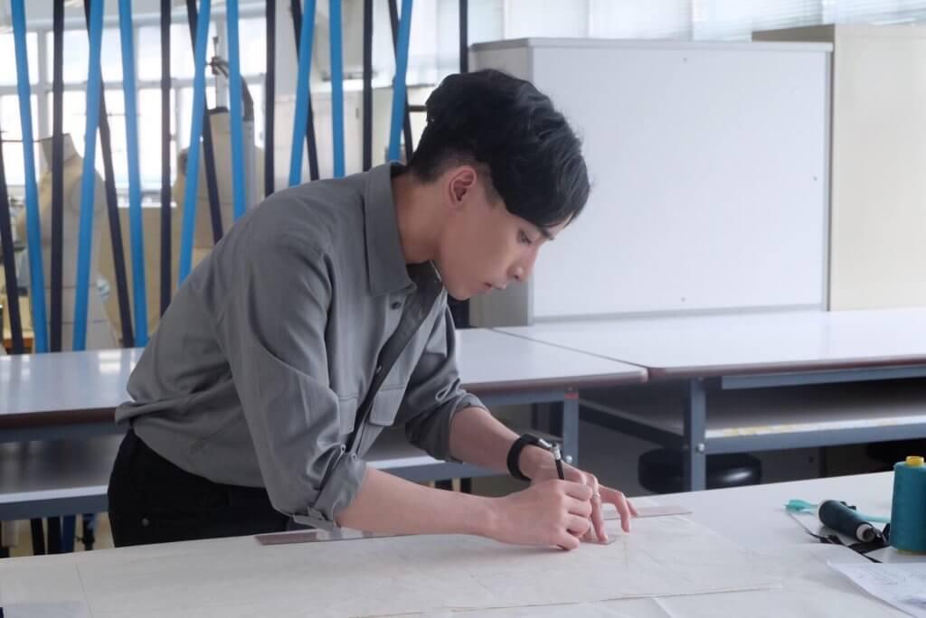 本地年輕設計師Angus Tsui