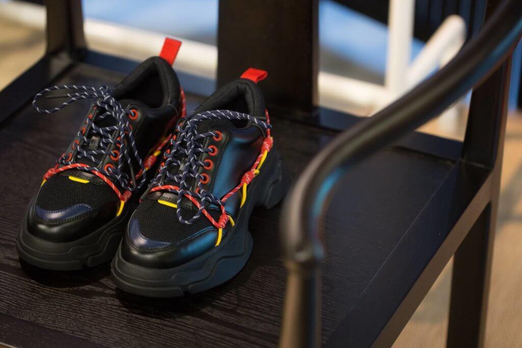 鞋帶綁繩部分內有乾坤