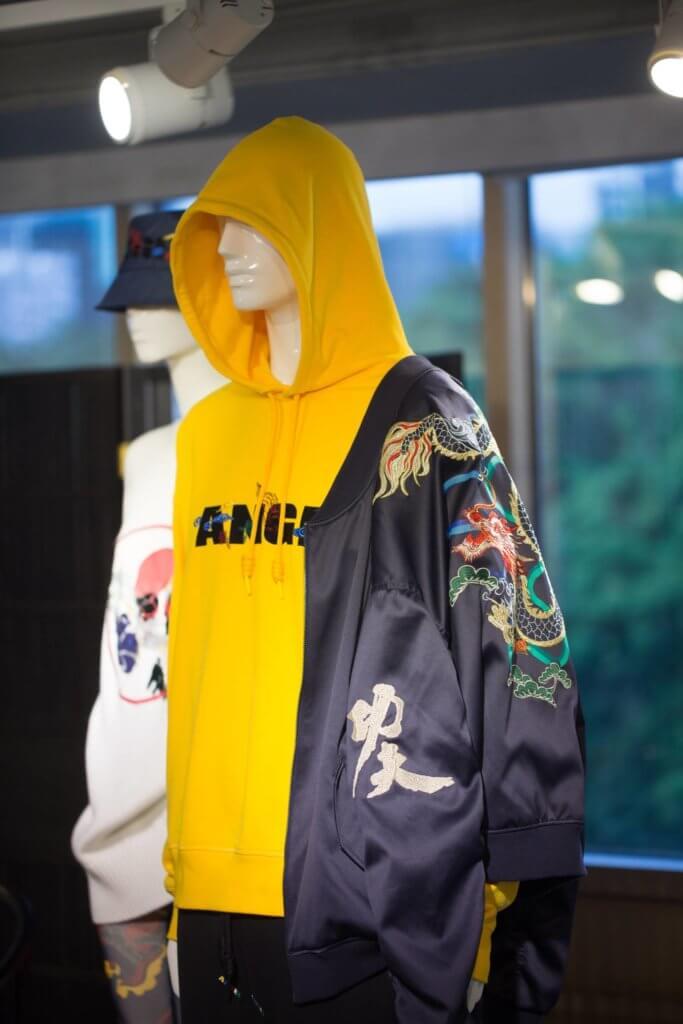 中國功夫融入運動服裝,別有看頭。
