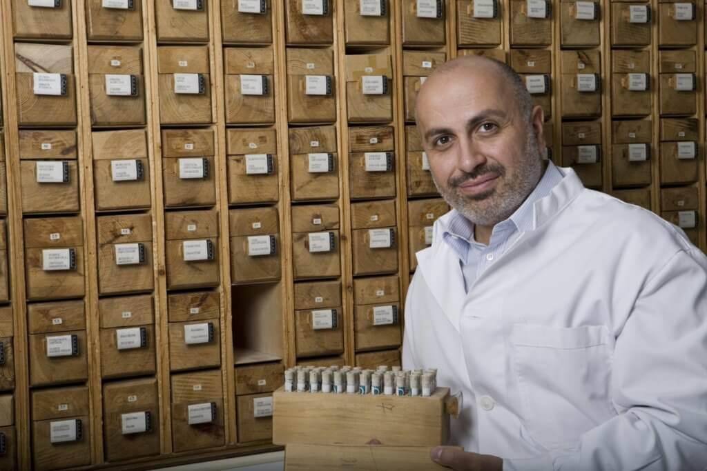 來自希臘的George Korres是一名藥劑師