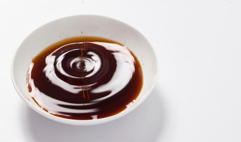 農曆六月開始做醬油,到八月生產出成品,大概歷時九十天,這期間恰好是三伏天,而八月已入秋季,所以如此做成的醬油叫做「三伏秋油」。