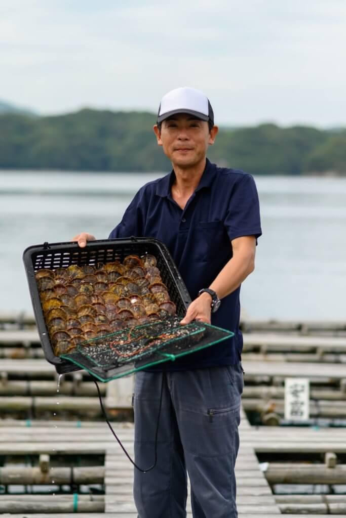 近藤真之自1993年大學畢業後便加入了TASAKI,是品牌珍珠養殖場部門的高級經理。