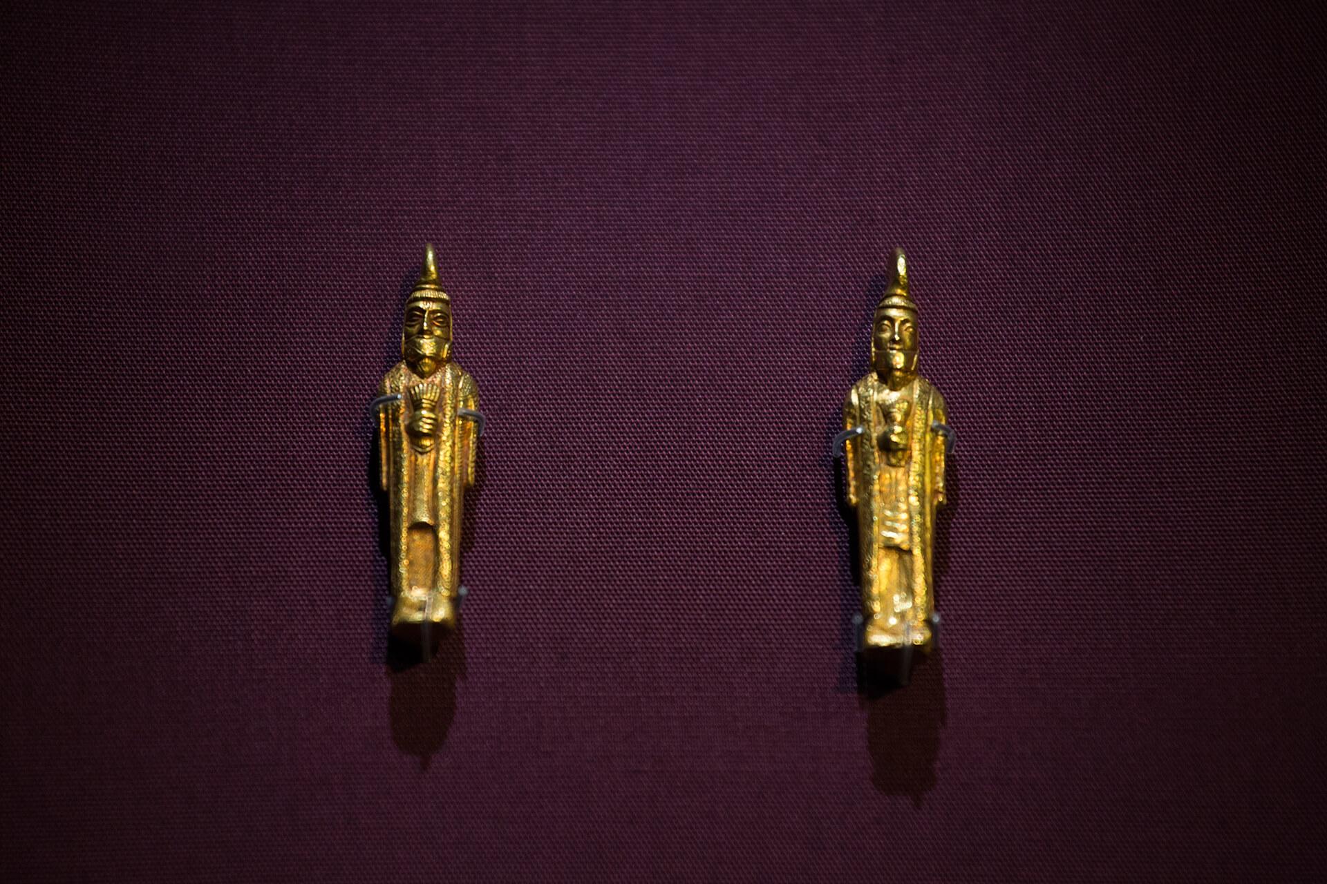 誰會想到只有尾指大小的拜火教徒金像,會與波斯富街有關?