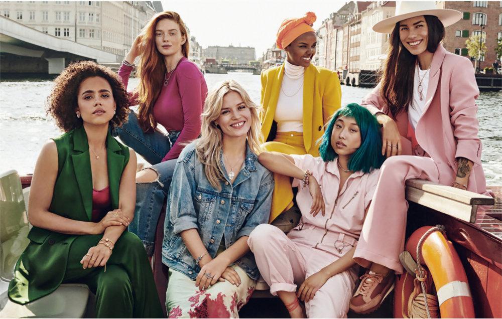 "Pandora首度邀請六位來自世界各地的時尚女性組成Pandora Muses,鼓勵女性說出所愛所想,回應""WhatDoYouLove""的主題。"