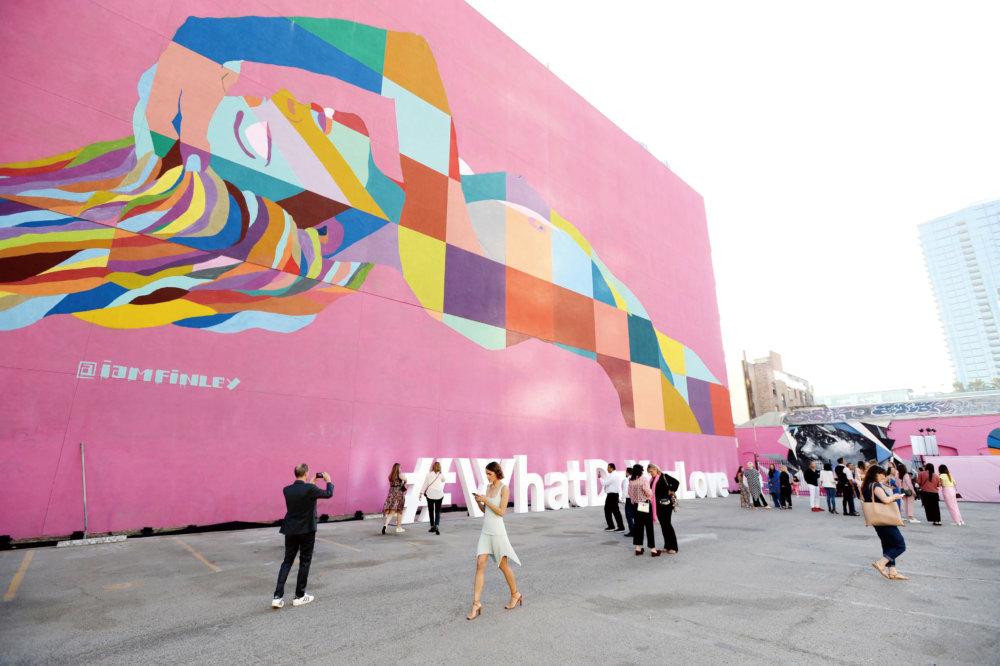 四百多位時尚界的名人嘉賓齊集洛杉磯,見證Pandora以全新面貌亮相。