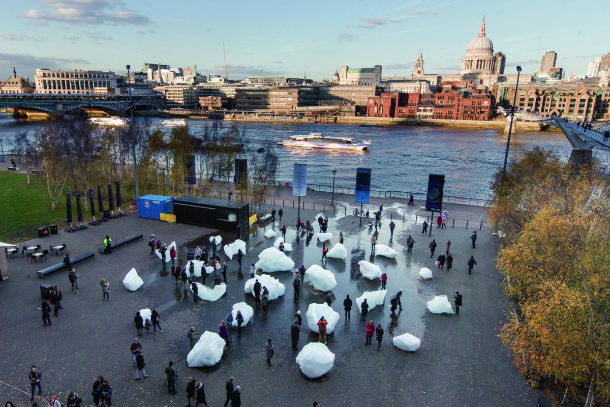 2018年底位於Tate Modern外的《Ice Watch》,把氣候問題搬到大家眼前。