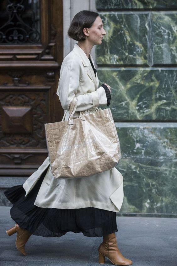 Comme des Garçons的Paper Tote Bag,一直深受fashion insider追捧。