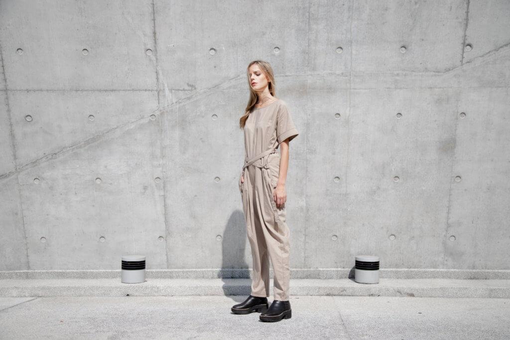 The R Collective的宗旨是「Rescue、Reuse、Reimage(拯救、重用、重構)」,即是人棄我取,把一些品牌用剩的布或不要的衣服,升級改造為一件全新的衣服。