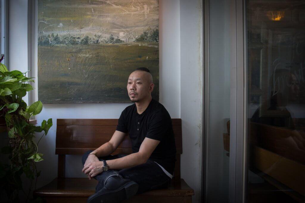 盧樂謙,藝術家,香港故事館(藍屋)前館長,創作形式多樣,包括繪畫、裝置藝術、行為藝術、社區藝術等。