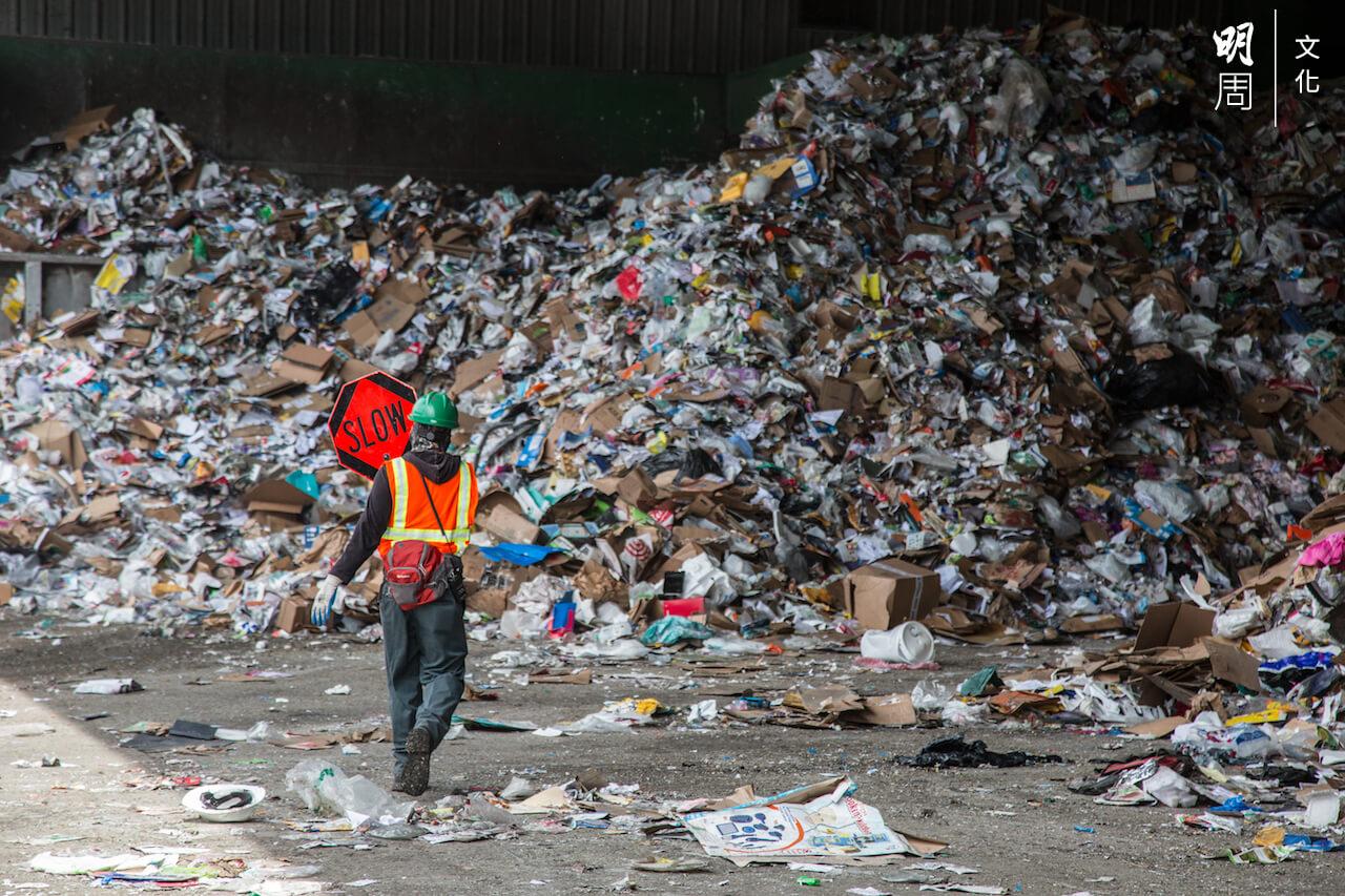 人類最後會否被自己製造的垃圾山淹沒?