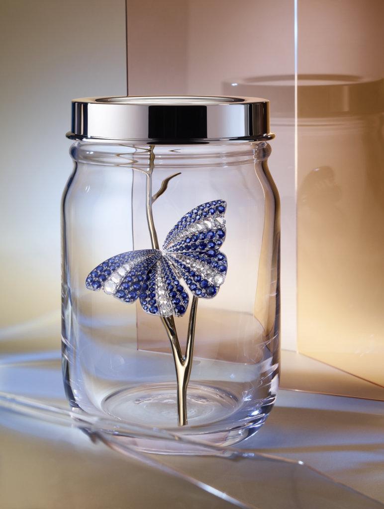 鉑金鑲藍寶石及鑽石蝴蝶胸針