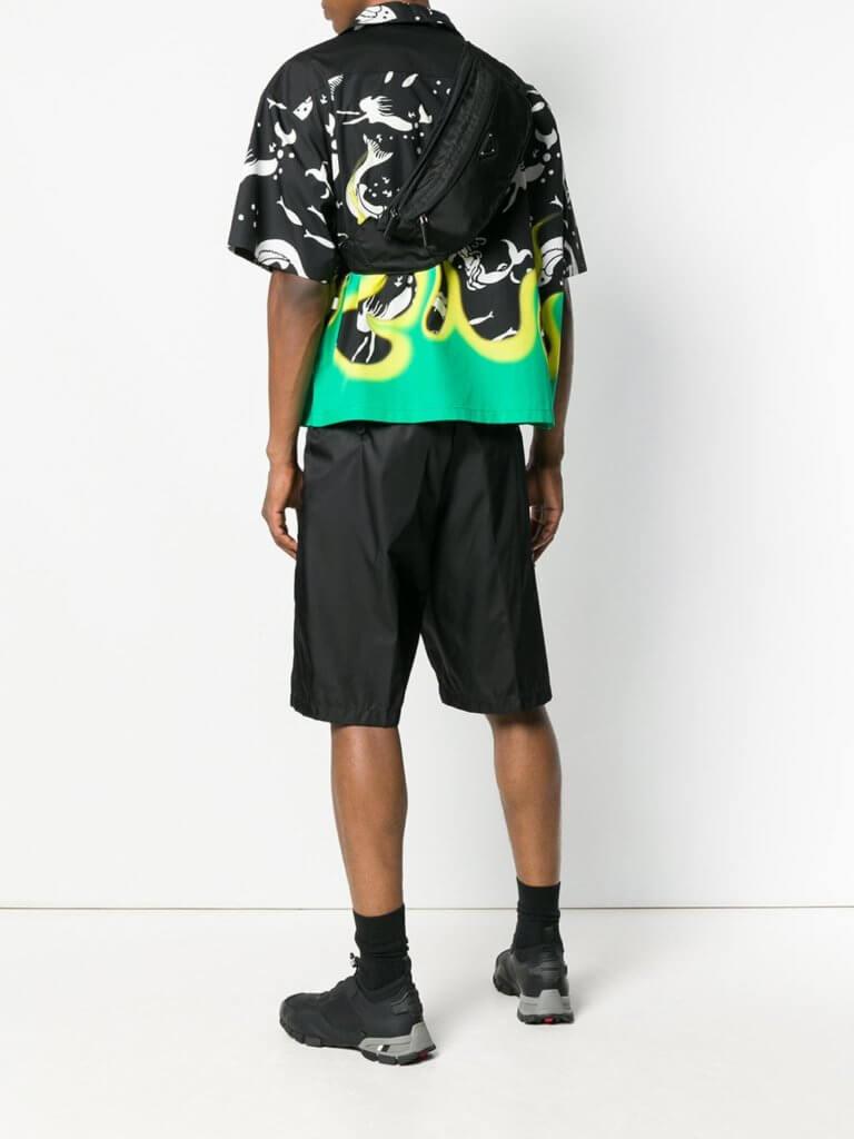 Prada 早三年復刻興極一時的腰包,得到年輕人的加持,結果今天幾乎任何一個時裝品牌都有不同的腰包款式。
