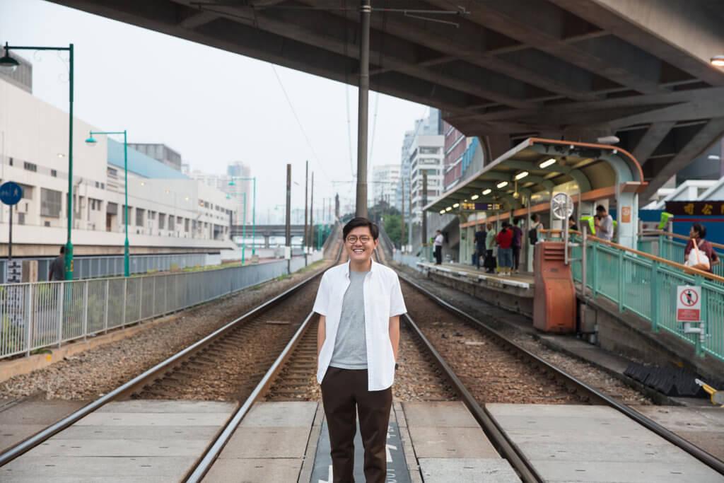 張可森是填詞人,自反修例運動後,決定暫時放棄到外國升讀博士學位,留在屯門深耕社區。