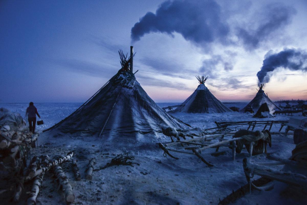 涅涅茨牧民的帳篷,位於俄羅斯涅涅茨自治區的北極苔原上。