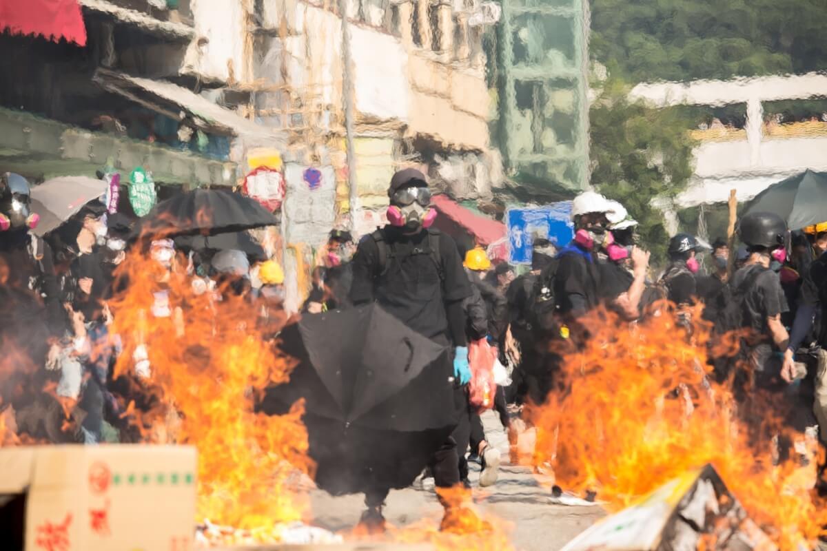香港反修例運動持續近四個月,以「沒有大台,只有羣眾」為宗旨。圖為10月1日示威現場情況。(攝影:李浩賢)