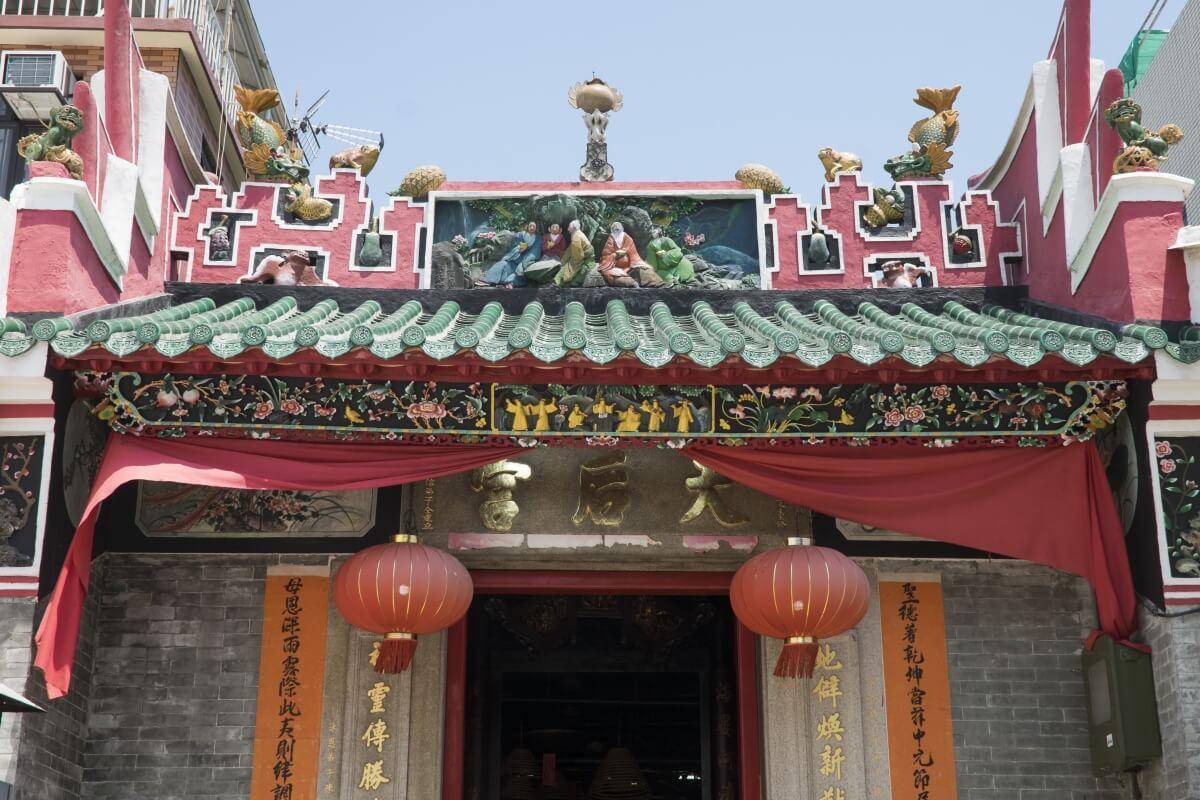 坪洲有不少廟宇,圖為列為二級歷史建築的天后宮,傳統活動「禡行鄉」便是在這裏開始。