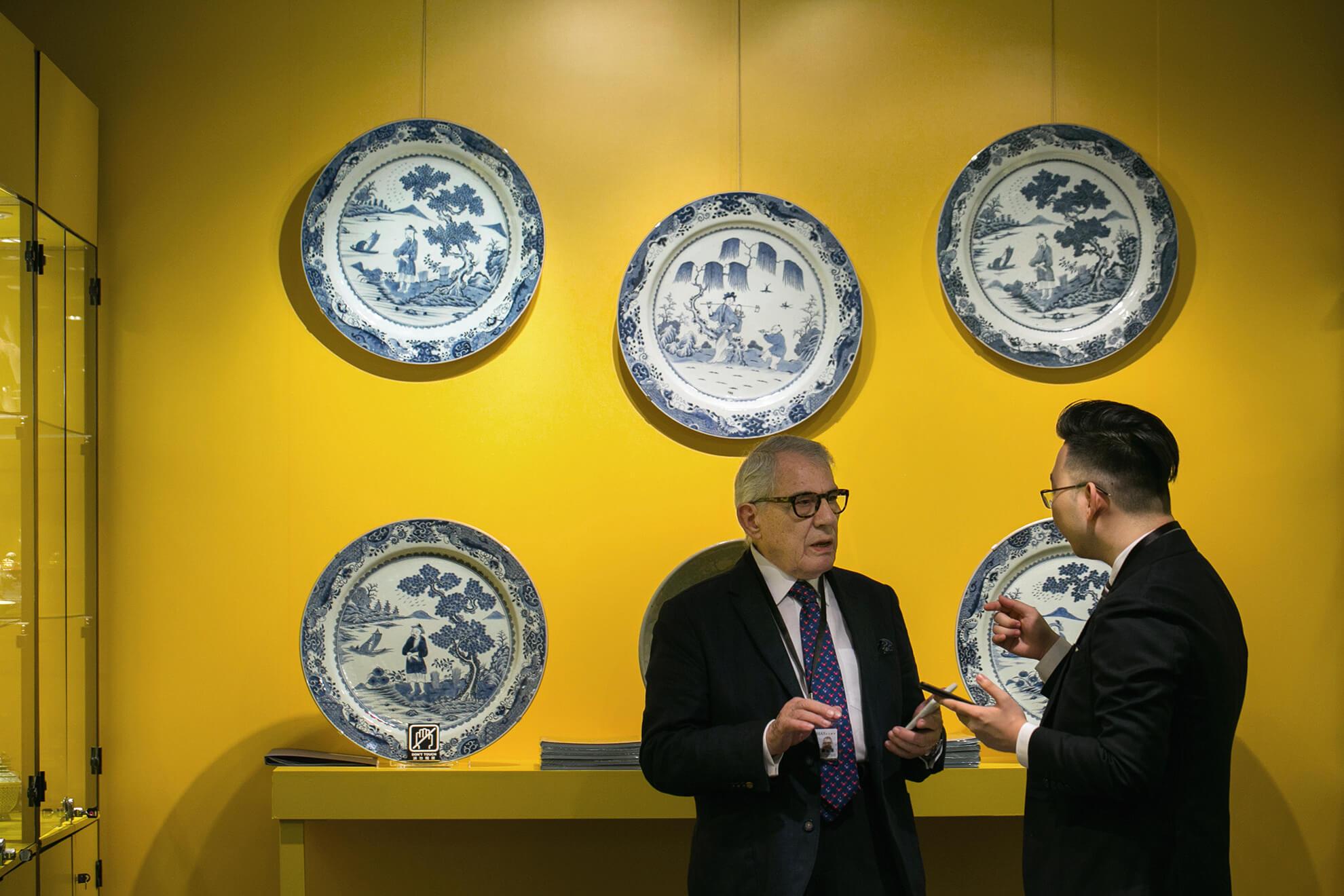 香港是亞太藝術交易中心,匯聚東西方展商及買家,優勢顯見。