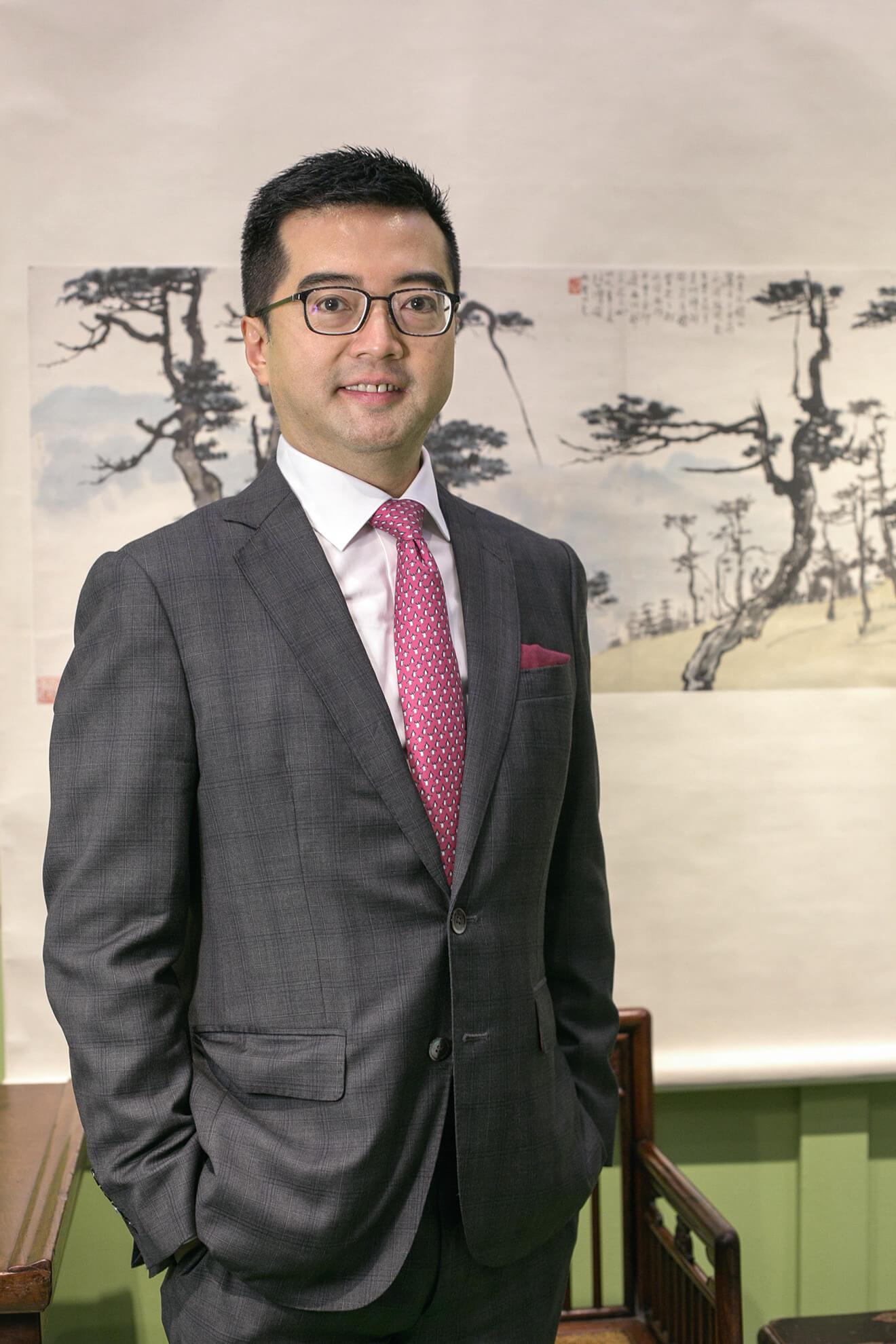 典亞藝博的創辦人及總監黑國強,對香港及藝博的前途感到樂觀,相信化危為機的力量。