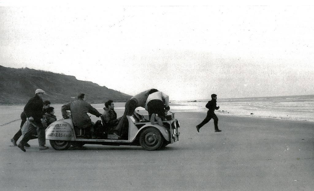 六十年前,《四百擊》的男孩在沙灘奔跑,卻是電影史上永恆的一幕。